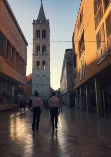 Zadar en medio de atardecer